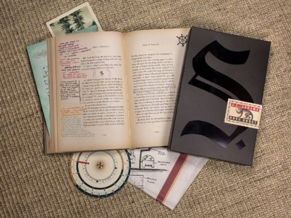 S. La Nave di Teseo, di J.J. Abrams e Douglas Dorst