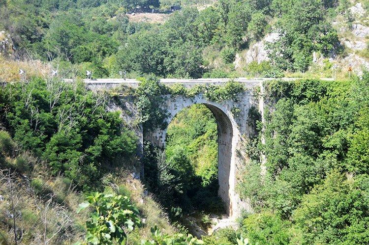 San Lupo, Ponte Janara