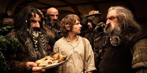 Bilbo in Lo Hobbit tra i Nani